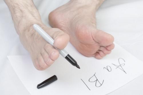 Füße mit Stift